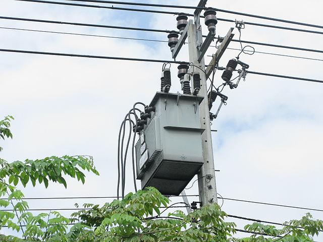 หม้อแปลงการไฟฟ้า transformer_12-24kvto380v พบว่ามีสายนิวทรอลออกจากหม้อแปลง